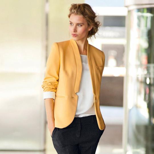 Porter une veste blanche femme - Idée pour s habiller 7d4d98b5dee8