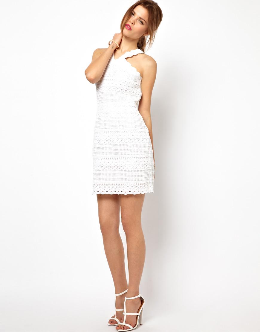 Robe droite blanche dentelle - Idée pour s habiller b79a56f13f0f