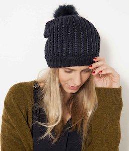 4e47c698a789 Bonnet et echarpe femme strass - Idée pour s habiller