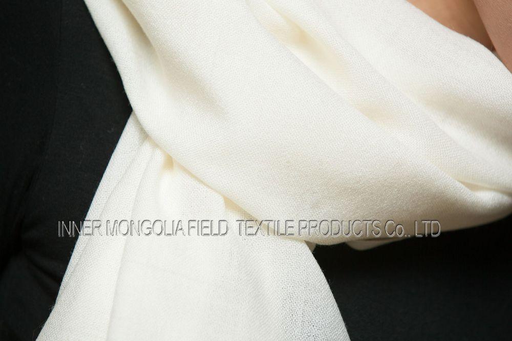 écharpe en cachemire blanche