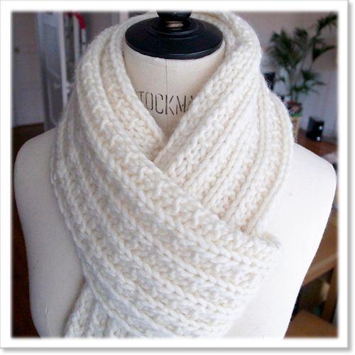 dffbfc2813ef Tricoter une écharpe snood - Idée pour s habiller