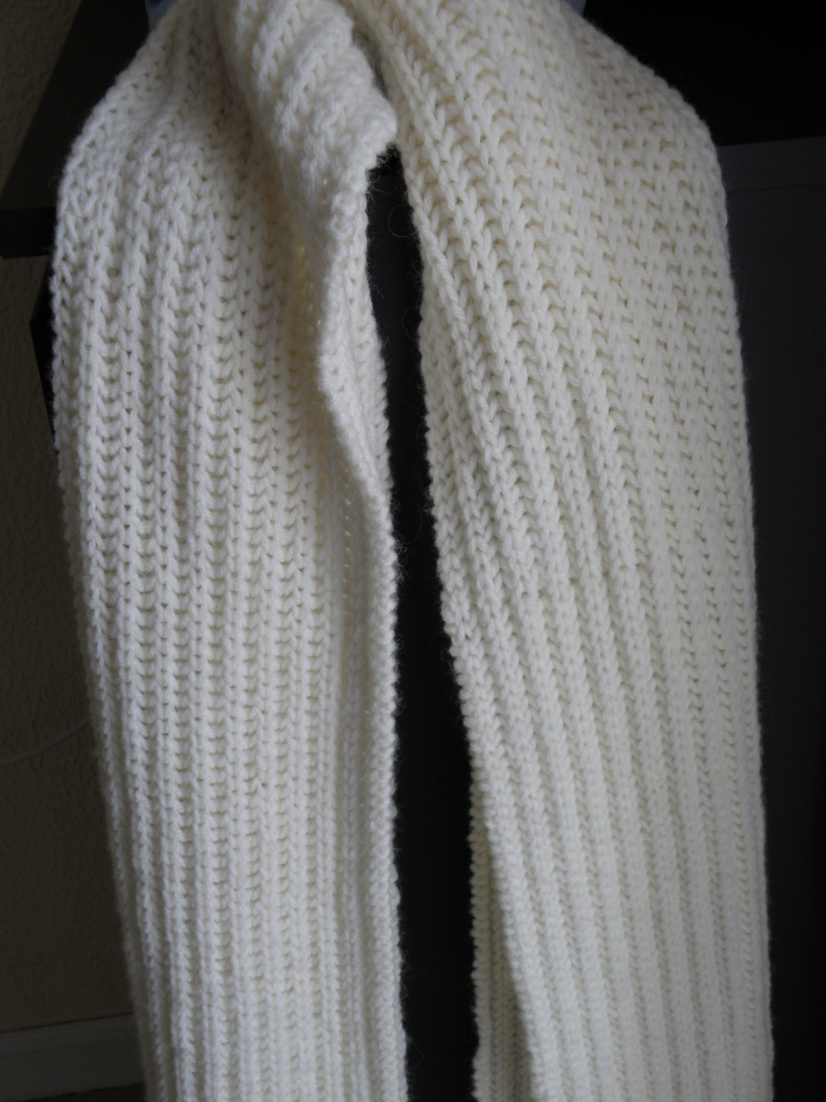 3b2ee7b114f6 Echarpe au tricot femme - Idée pour s habiller