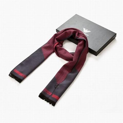 Bonnet et echarpe armani homme - Idée pour s habiller e0e44720779