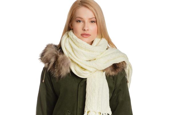 c54ea6d3010b Tres longue écharpe femme - Idée pour s habiller