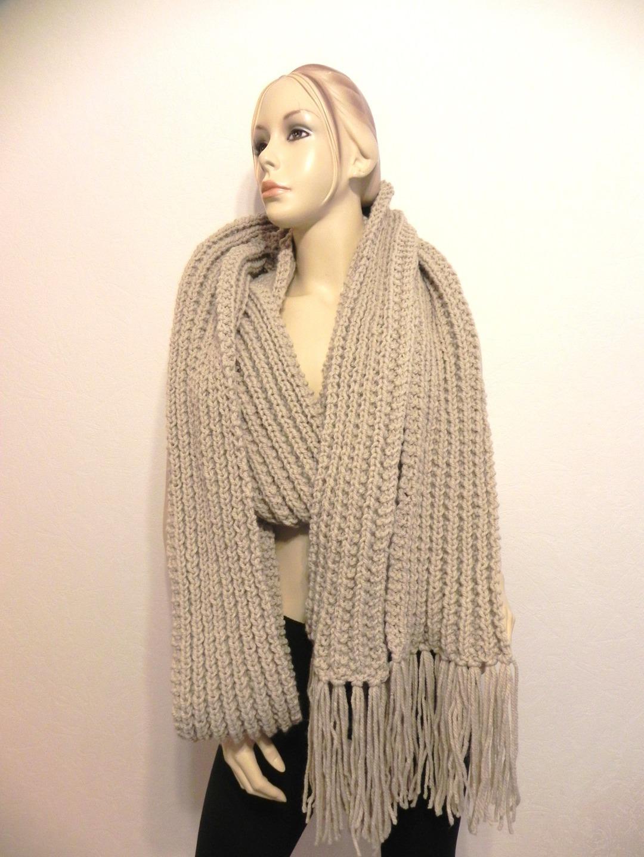 39d61e376bfa Echarpe femme tres longue - Idée pour s habiller