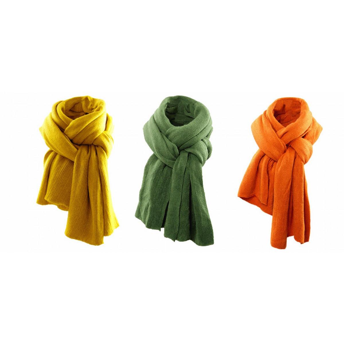 Echarpe jaune pour homme - Idée pour s habiller b3bcf13bf92