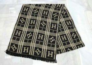 Echarpe oversize femme en laine - Idée pour s habiller ea5b86db841