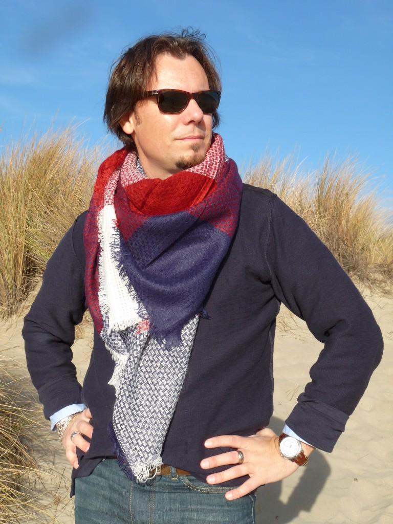 9e9208af45c9 écharpe rouge pour homme - Idée pour s habiller
