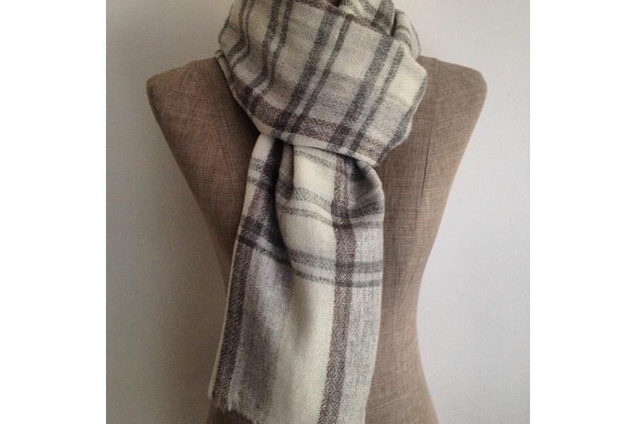 écharpe en cachemire femme - Idée pour s habiller a617b2a9631