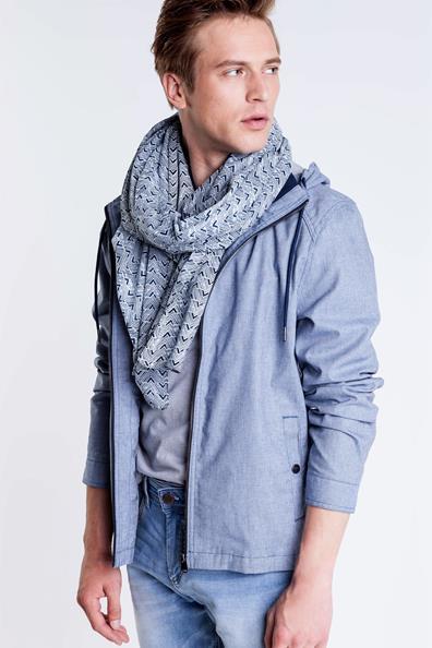 d5c17e4a2dc écharpe autour du cou homme - Idée pour s habiller