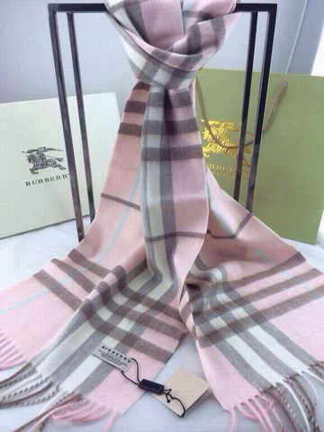 4d1f7b073cf9 Echarpe burberry femme rose - Idée pour s habiller