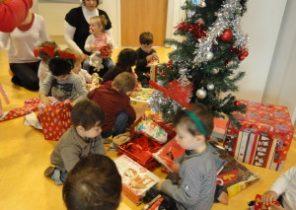 Ouverture de cadeau de noel