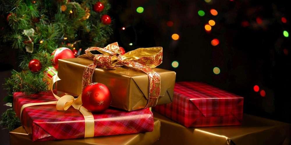 Image noel cadeau sapin
